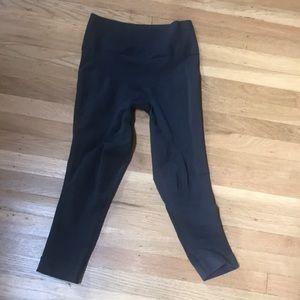 Lululemon compression crop leggings